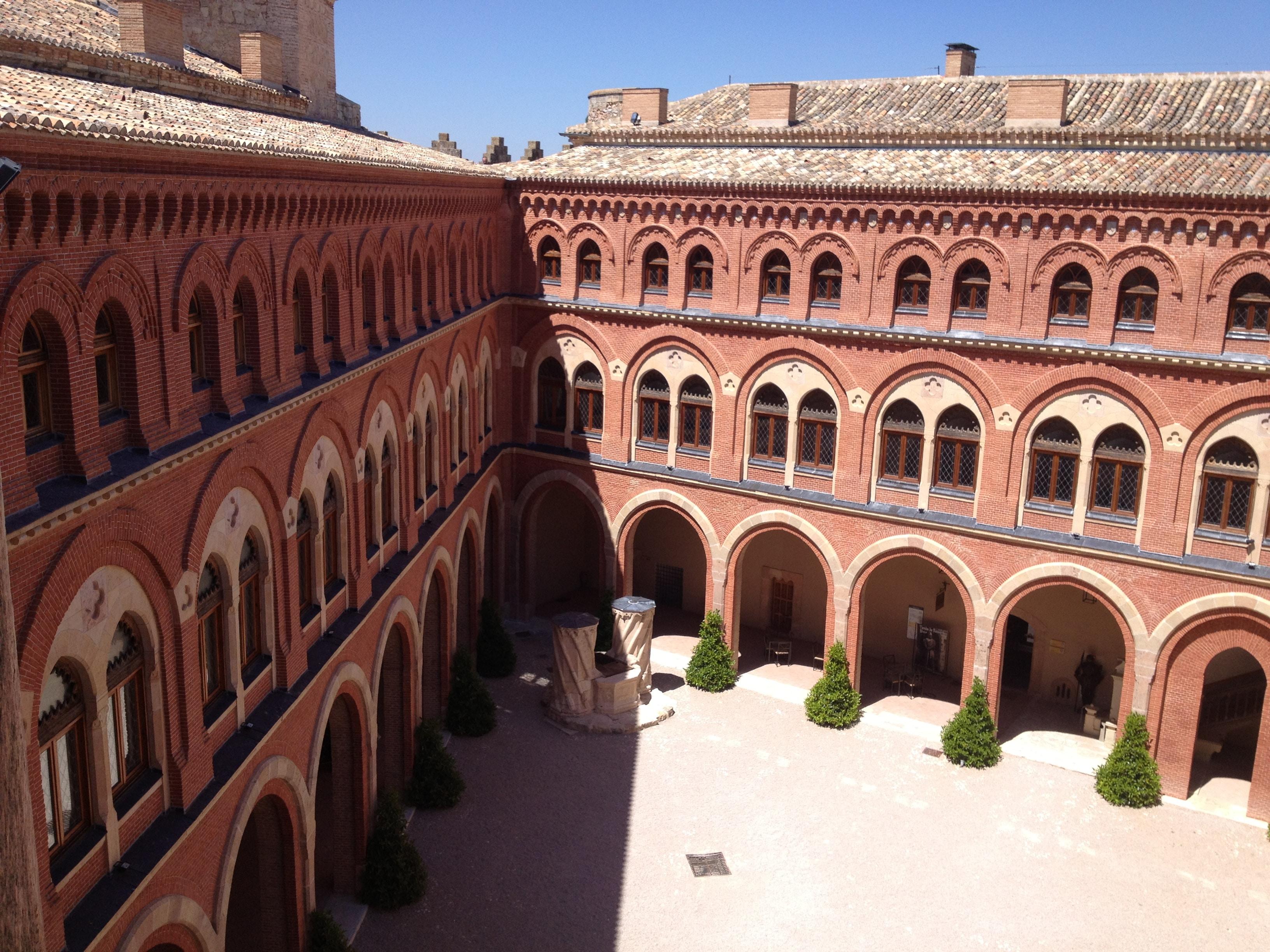 Castillo Belmonte - Patio de Armas