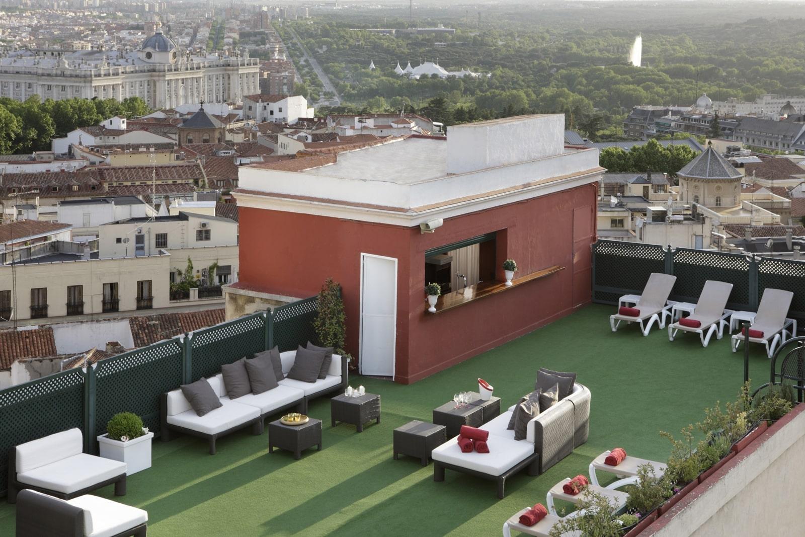 La terraza del hotel emperador viaje al atardecer for Ideas para terrazas en azoteas